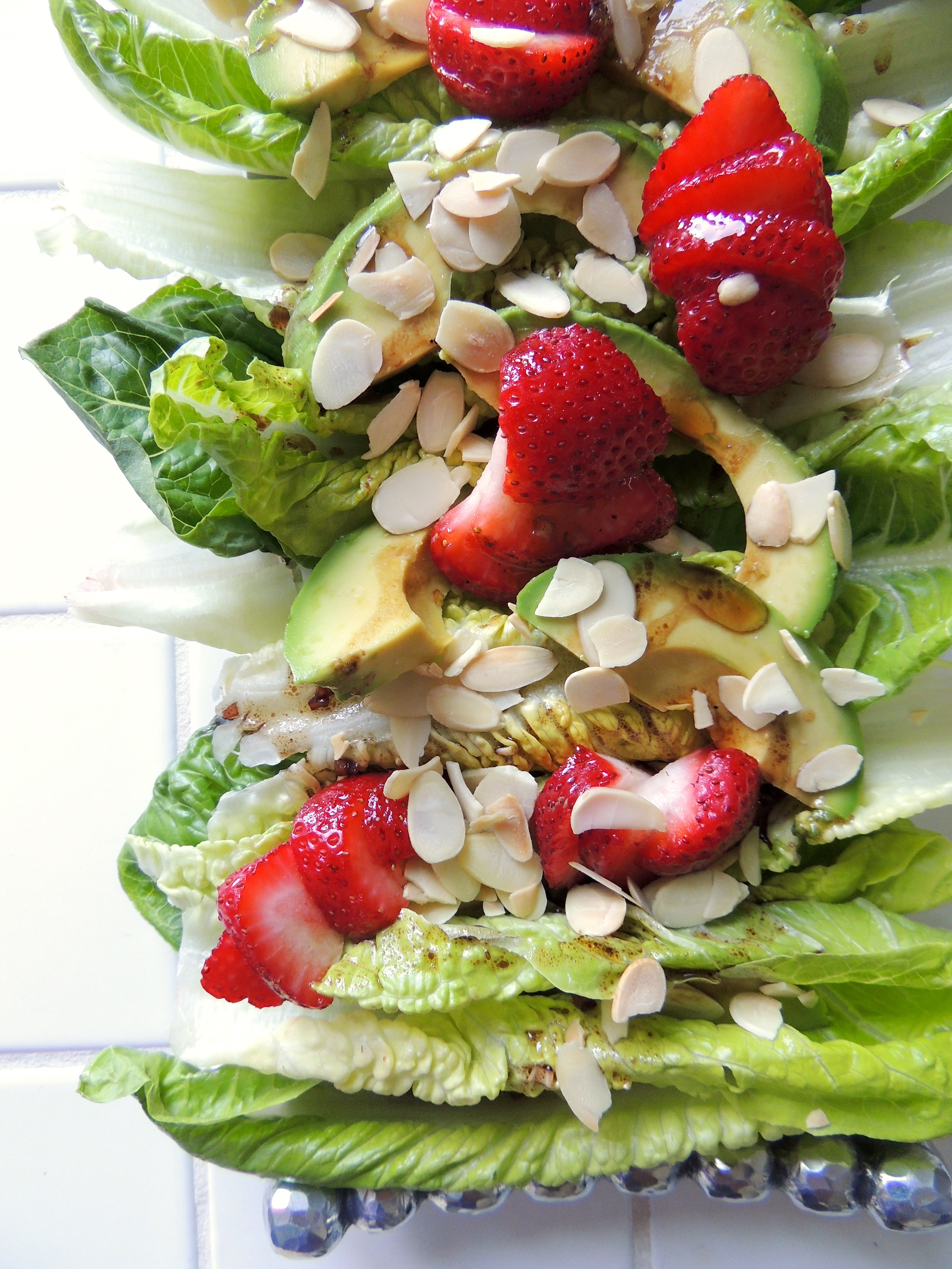 Raspberry Romaine with Avocado, Strawberries & Toasted Almonds | Living Healthy in Seattle