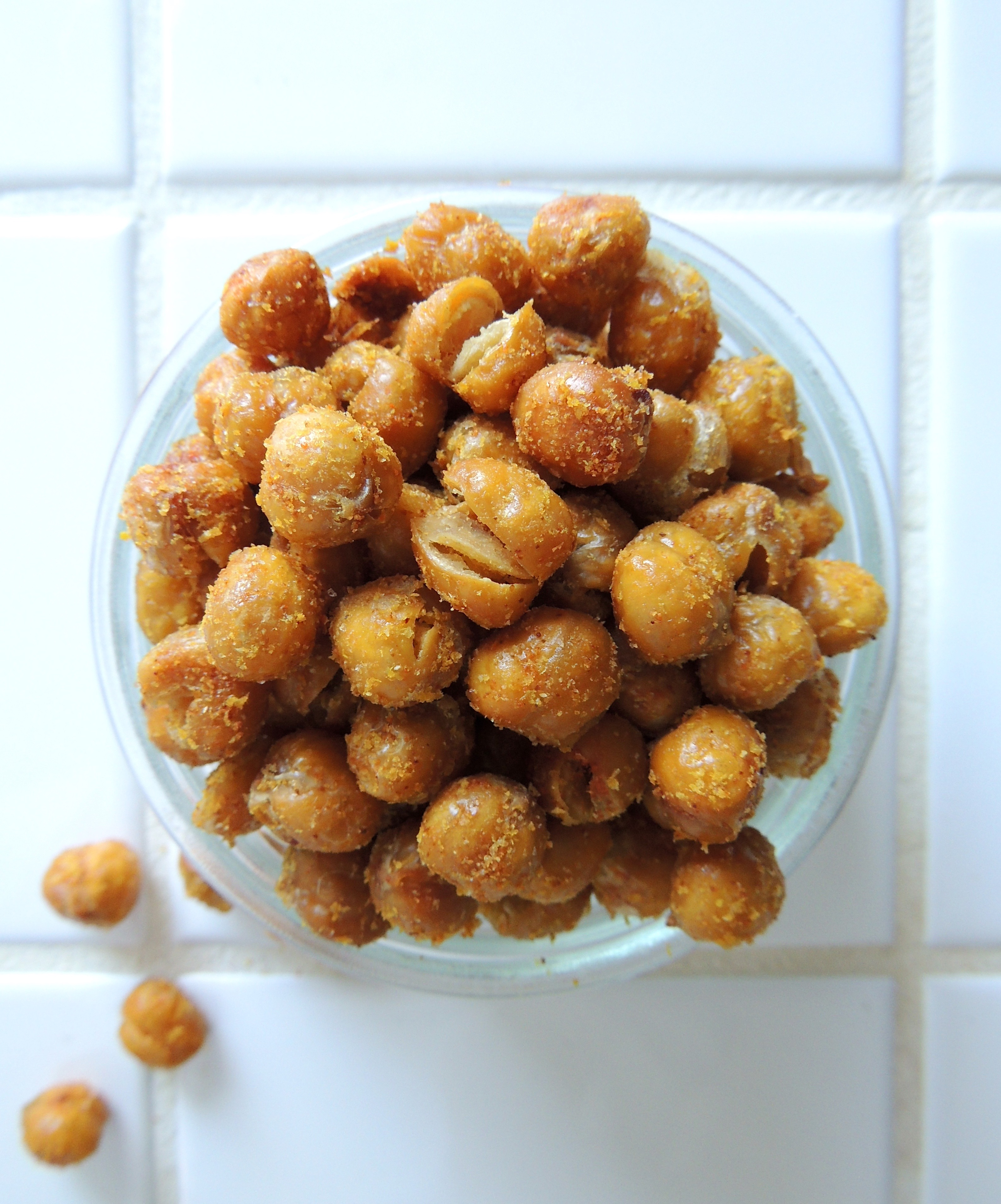 Crunchy Roasted Chickpeas | Living Healthy in Seattle